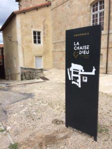 Signalétique de parcours pour l'Abbaye de La Chaise Dieu (Haute-Loire, 43)