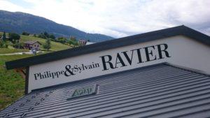 Enseigne lettrage pour Philippe & Sylvain Ravier - Vins de Savoie