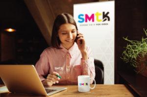 Communiquer l'image de marque en télé-travail : outils simples et facile à monter pour transformer le lieu d'habitation en lieu de travail.