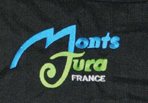 Broderie personnalisée avec 2 couleurs sur veste softshell