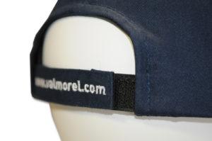 Fermeture Velcro - Composée de 2 languettes en velcro, elle permet d'ajuster la taille de la casquette