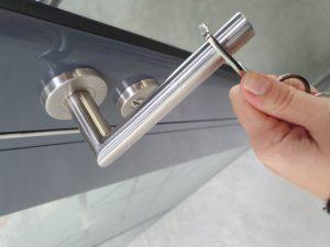 Clé sésame antibacterienne pour ouverture de porte